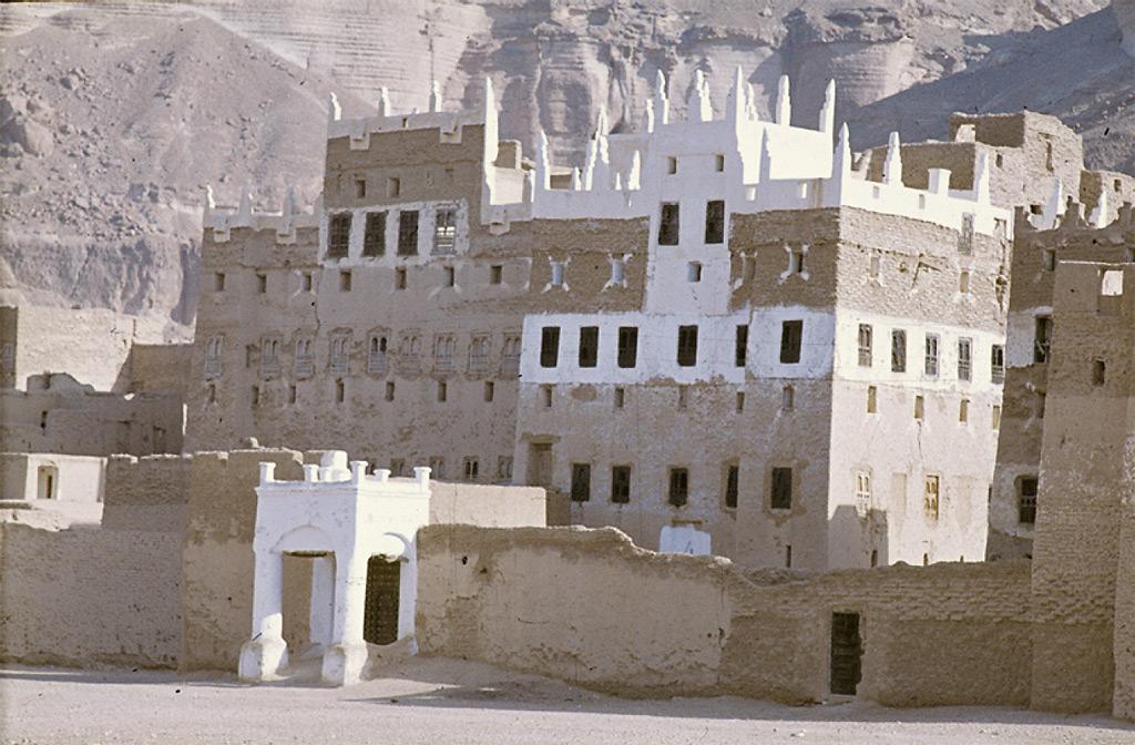 Une ferme fortifiée dans la vallée entre Shibam et Seyhun